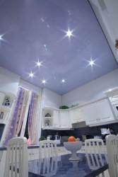 Plafond-tendu-aspect-laque-Castillo-Cuisine