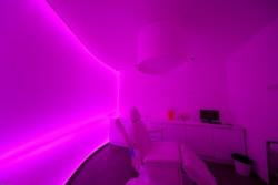 Mur tendu lumineux en couleur 3D pour la clinique Monticelli Paradis à Marseille (13)